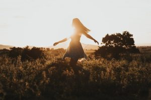 Freedom Girl Travel Adventure - JacksonDavid / Pixabay